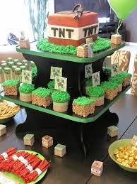 minecraft cupcake ideas minecraft birthday party cupcake stand
