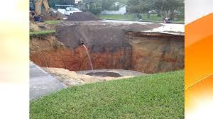 Sinkhole In Backyard Massive Sinkhole Opens In Groveland Florida Today Com