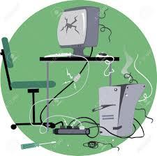 le ancienne de bureau ordinateur de bureau à l ancienne cassé et beaucoup de temps fixé
