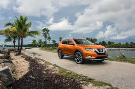 nissan rogue quarter panel nissan reveals 2017 rogue and first ever rogue hybrid at miami