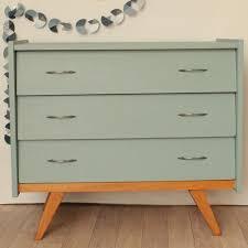 transformer un meuble ancien repeindre un vieux bureau en bois relooking d un meuble le de
