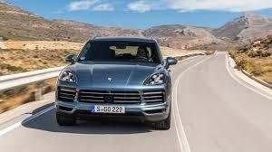 porsche cayenne 4 8 turbo 2019 porsche cayenne drive better faster lither autoblog