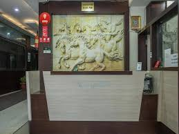 hotel oyo rooms hny bhawarkuan square 2 indore india booking com