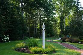 amazing 12 front yard light post ideas on post flower bed