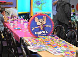 how to throw an amazing birthday at chuck e cheese s my