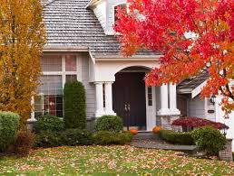 how to attract homebuyers with creative fall decor