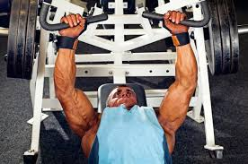 Bodybuilder Bench Press Smith Barbell Or Dumbbell Bench Press Which Causes More Muscle