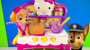 paw patrol skye and chase bake cupcake food in hello kitty magical