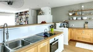 peinture pour meubles de cuisine en bois verni vernis meuble cuisine finition meuble cuisine quel vernis pour