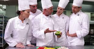 apprenti cuisine etre humain prestation de services cuisinier 4k stock