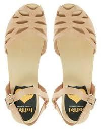 suzanne sandals swedish hasbeens sandals and kristin davis