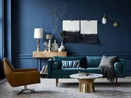 canap bleu p trole déco salon salon avec mur en bleu canard et canapé en bleu pétrole