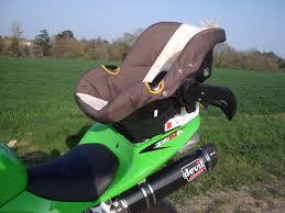 siège moto bébé balade avec bébé