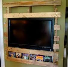 creative tv mounts 64 creative ideas and ways to recycle and reuse a wooden pallet