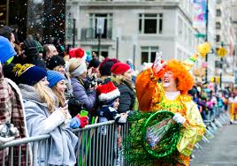 macy s parade spectators brave snow with smiles photogallery