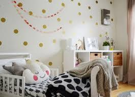 meuble rangement chambre bébé meuble rangement enfant pour instaurer l ordre avec du goût