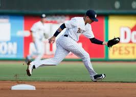 charleston riverdogs win 2 1 over greenville drive force game 3