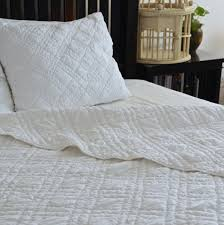 Quilted Cotton Coverlet White Cotton Coverlet Quilts White Quilts Handmade Quilts Printed