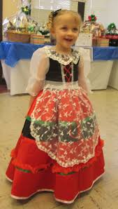traditional italian dress for women here is a typical italian