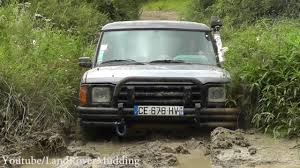 land rover mud land rover discovery vs toyota land cruiser mud actions youtube
