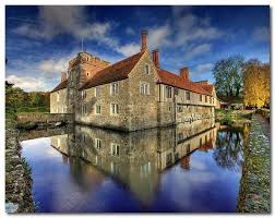 House With A Moat Ightham Mote Is A Moated Medieval Manor House In Kent The Mote
