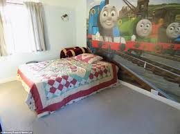 Thomas And Friends Decorations For Bedroom Hilarious Collection Of World U0027s Worst Estate Agent Photos Of