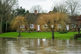 george clooney u0027s multi million property flooded as thames bursts
