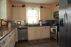 What To Use To Clean Greasy Kitchen Cabinets How To Clean Greasy Lasani Wood Metal Crystal And Laminate