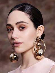 mismatched earrings fall 2016 trend mismatched earrings 7 the fashion tag