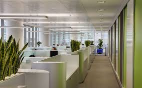 outstanding creative office space idea with white pillar and mac