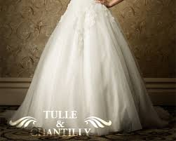 wedding dress material bridal guide to popular wedding dress fabrics tulle chantilly