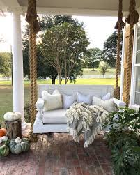 rustic farmhouse porch décor
