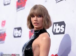 ex dj david mueller sends taylor swift 1 by mail daily mail online