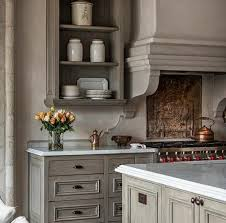 repeindre sa cuisine rustique repeindre une cuisine rustique rayonnage cantilever