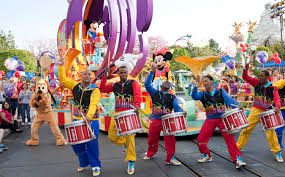 disneyland parades seating guide the happiest on earth
