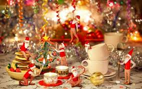 Christmas Tree With Gold Decorations The Best Christmas Table Decorations U2013 55 Ideas For A Glamorous Table