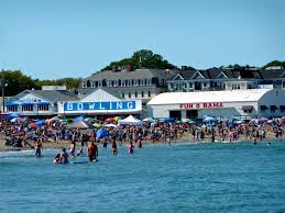 fun and fried food at short sands beach york beach maine the