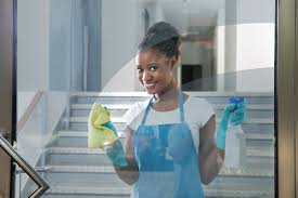 femme de m駭age bureau femme de ménage pour le nettoyage de bureaux le soir pérols 34470