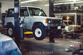 land cruiser lift kit a stanceworks how to lifting your truck with arb u0027s old man emu