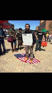 Black Guy With Confederate Flag The Guy Who Burned The Confederate Flag Is The Same Guy Who Stood