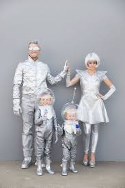 Unique Family Halloween Costume Ideas With Baby by Best 20 Family Costumes Ideas On Pinterest Family Halloween