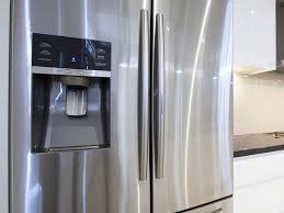 cuisine du frigo intégrer un frigo dans sa cuisine modèles et usages ooreka
