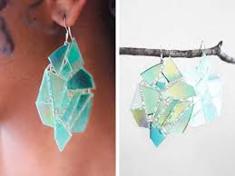 cd earrings how to recycle cd s into fantastic crafts lifextyle