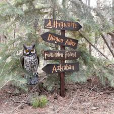 harry potter inspired lawn ornament sign hogwarts diagon