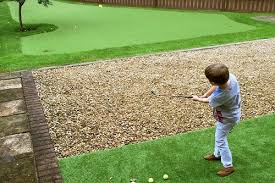 Putting Green In Backyard by Creating The Perfect Backyard Putting Green Bestfakegrasses Com