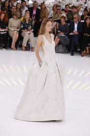 robe de mariã e haute couture la robe de mariée épurée collection haute couture automne