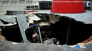 where is the national corvette museum sinkhole 8 corvettes at museum