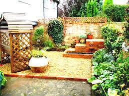 Backyard Landscaping Ideas For Small Yards by Yard Landscaping Ideas For Small Gardens Front Home Design Lover
