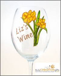 beautiful daffodil wine glass prosecco flute personalised name or