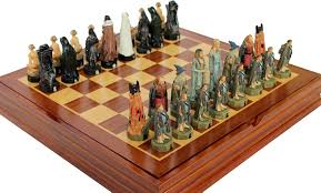 amazon com lord of the rings chess set resin pieces toys u0026 games